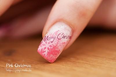 Merry Christmas Nailart in Pink gestampt