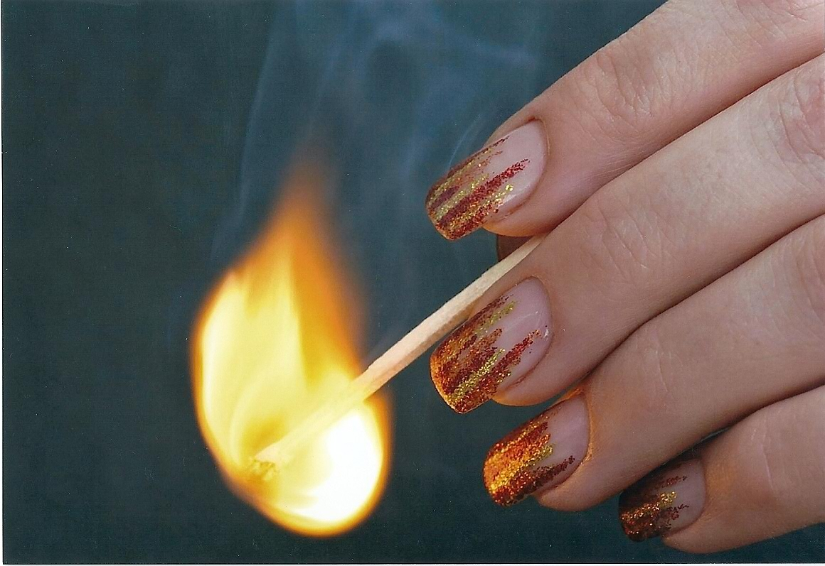 Blickfang Fingernägel Motive Ideen Von Flammen In Glitter Rot Gold Orange