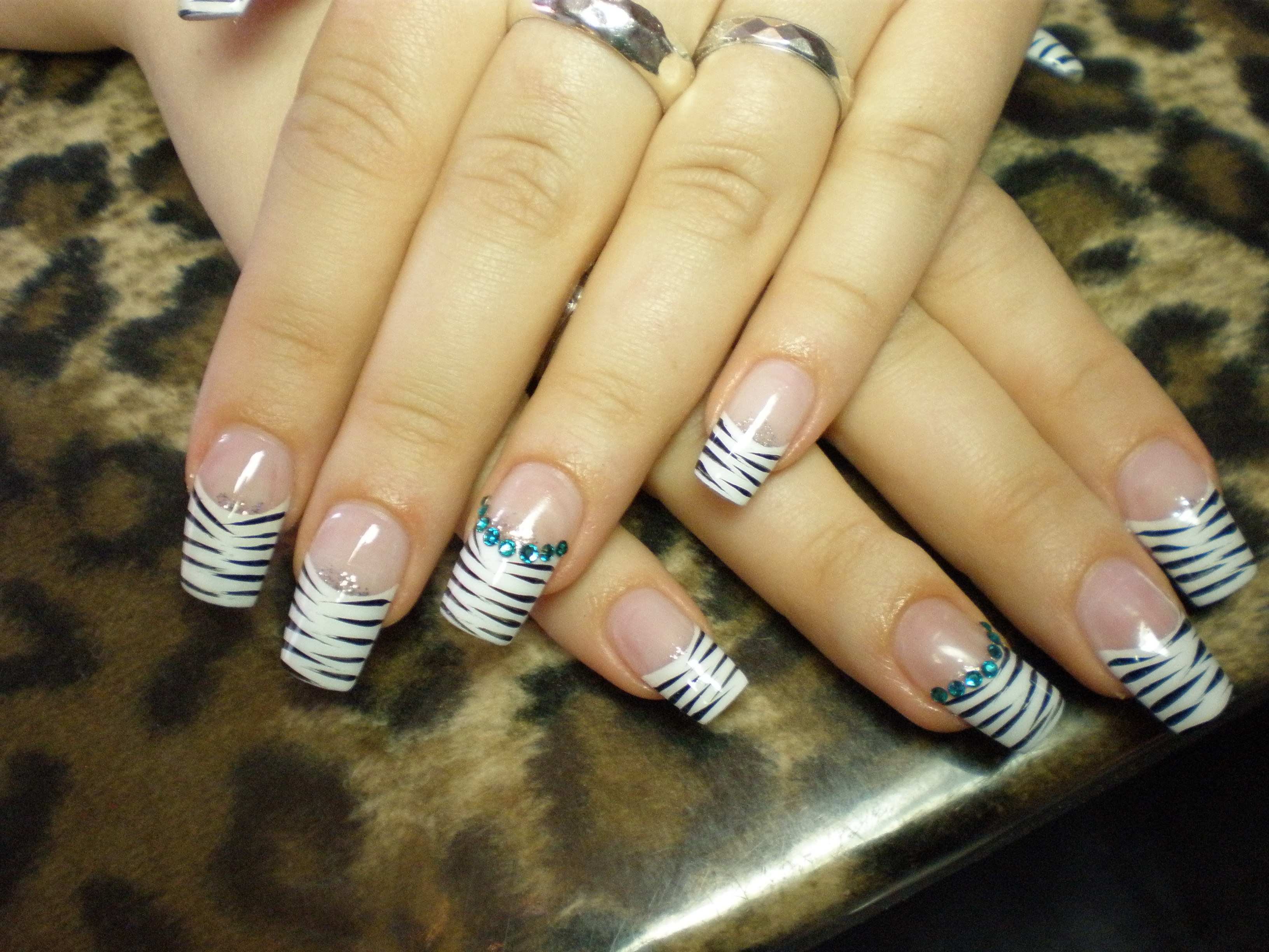 nail art french im zebra look planet nails pimp nails. Black Bedroom Furniture Sets. Home Design Ideas