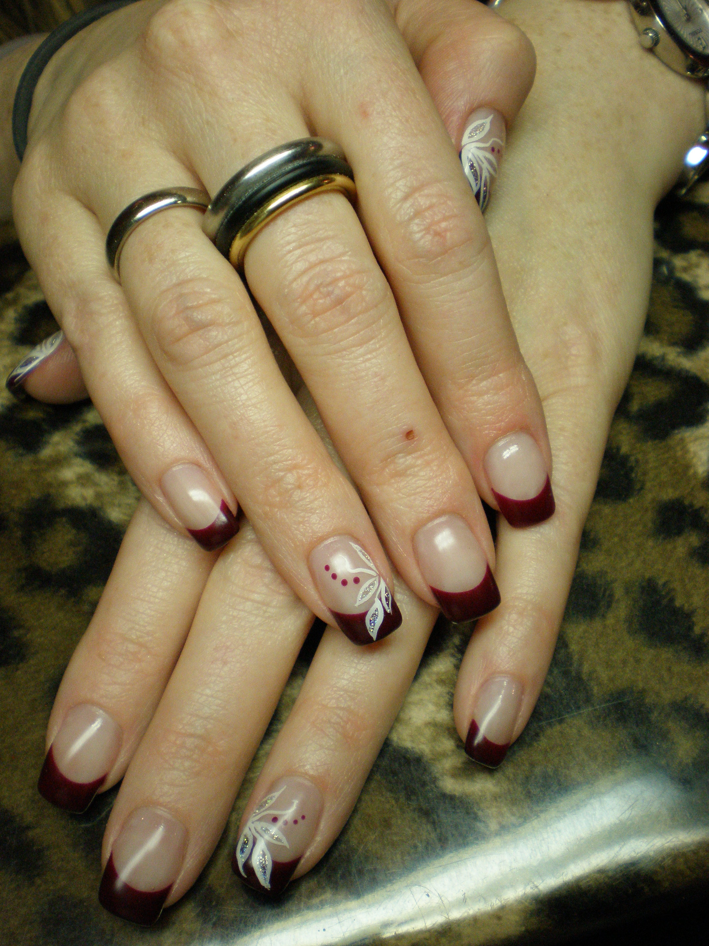 French Rot Mit Fineliner Nail Art Blätter Planet Nails Pimp Nails